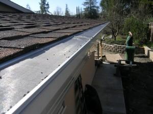 Comp Roof Gutterglove installation